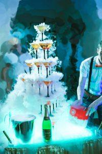 заказать пирамиду из бокалов на свадьбу в Краснодаре